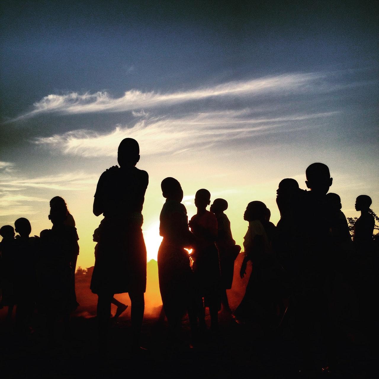 """""""A Szeretet alapvetően annak a felismerése, hogy az emberek különbözőségeiben egy mélységes közösség rejlik."""""""
